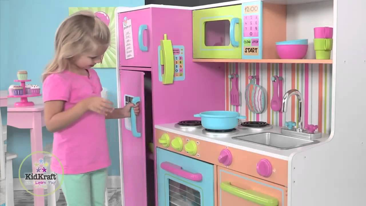 Exceptionnel KidKraft Deluxe Big U0026 Bright Kitchen   YouTube