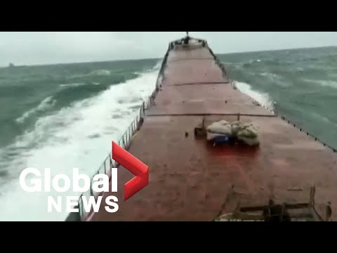 """""""Mayday!"""": Camera captures huge wave snapping cargo ship in 2 off coast of Turkey"""
