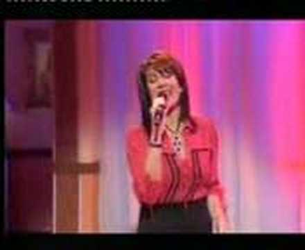 Jane McDonald sings