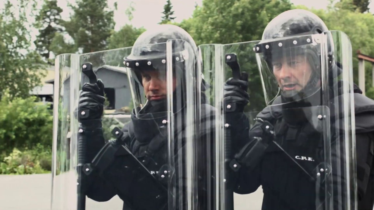 Escudos Antidisturbios C.P.E. - YouTube