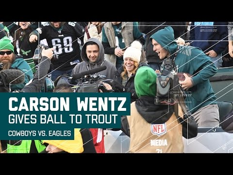 Carson Wentz Hits Ertz for a Diving TD & Wentz Gives Ball to Mike Trout! | NFL Week 17 Highlights
