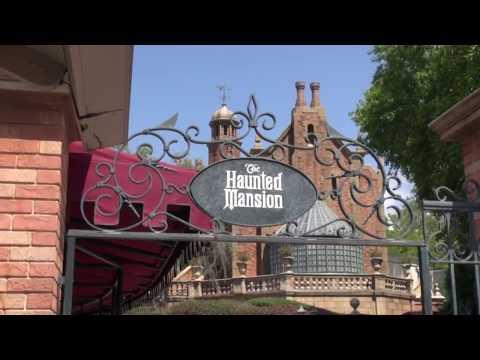 [FR] L'histoire des Hunted Mansion dans les Parc Disney
