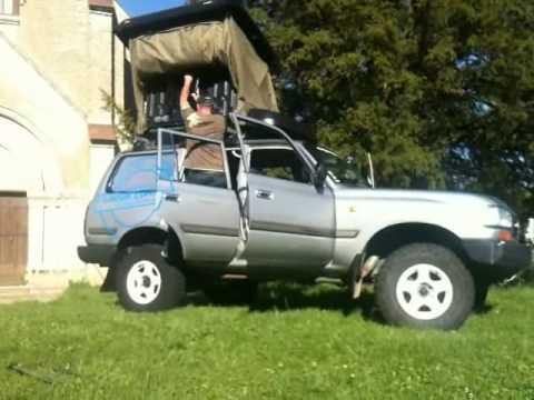 montage d 39 une tente de toit naitup outback la hussarde. Black Bedroom Furniture Sets. Home Design Ideas