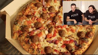 Pizza Hut Old Fashioned Meat Brawl Pizza (extended)- The Two Minute Reviews - Ep. 445 #tmr