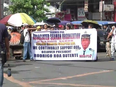 Pro at anti-Duterte groups patuloy ang pagdagsa sa Mendiola