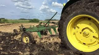 John Deere 830 Diesel Plowing