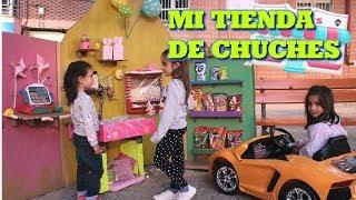 TIENDA DE CHUCHES EN MI COCHE NUEVO - jugamos tienda de golosinas thumbnail