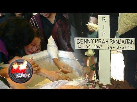 Isak Tangis Iringi Pemakaman Benny Panjaitan - Hot Shot 27 Oktober 2017