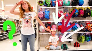 Michelle and Mommy Pretend play Hide and Seek in toy store. video for kids