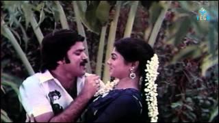 Aayusu Nooru Movie Songs - Cinnaponnu Pakathula Song
