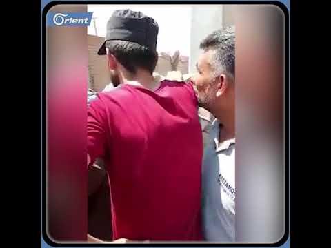 متظاهرون غاضبون عند النقطة التركية في النيرب شرق إدلب  - 12:54-2021 / 7 / 31