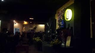Nụ Hôn Mùa Xuân cover by Mr Wilson Wong at Ừ Thì Cafe Acoustic (29/01/2017)