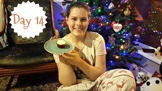 Baking Gingerbread Cupcakes & Packing | VLOGMAS