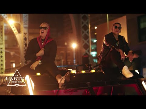 Daddy Yankee & Bad Bunny Vuelve (Video Oficial)