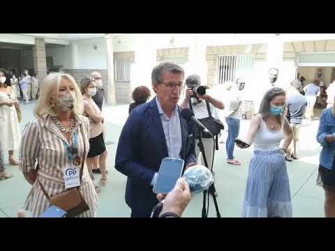 Alberto Núñez Feijóo vota en su colegio electoral