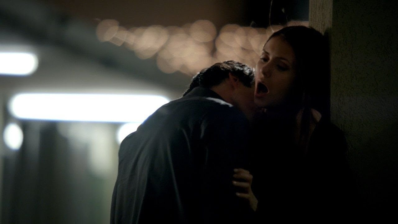 The Vampire Diaries 3x19 Elena And Damon Motel Kissmake Out Hot