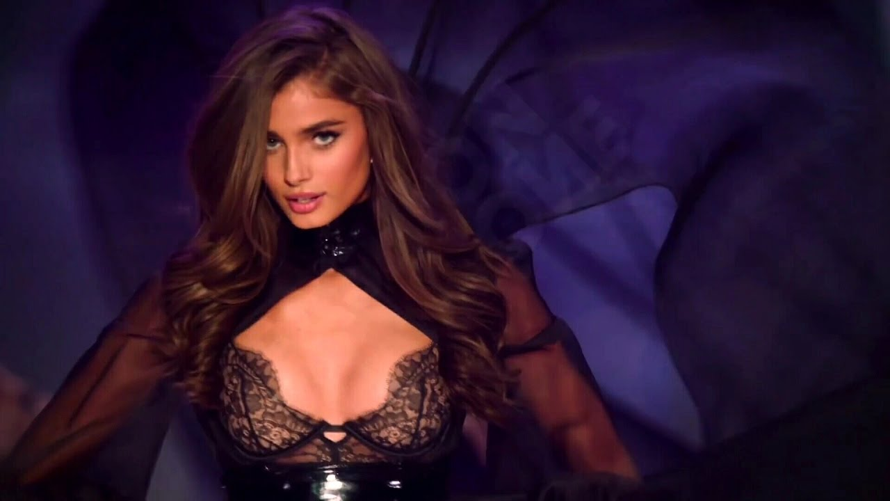 70bfdc33a3 Taylor Hill Victoria s Secret Runway Walk Compilation 2014-2016 HD - YouTube