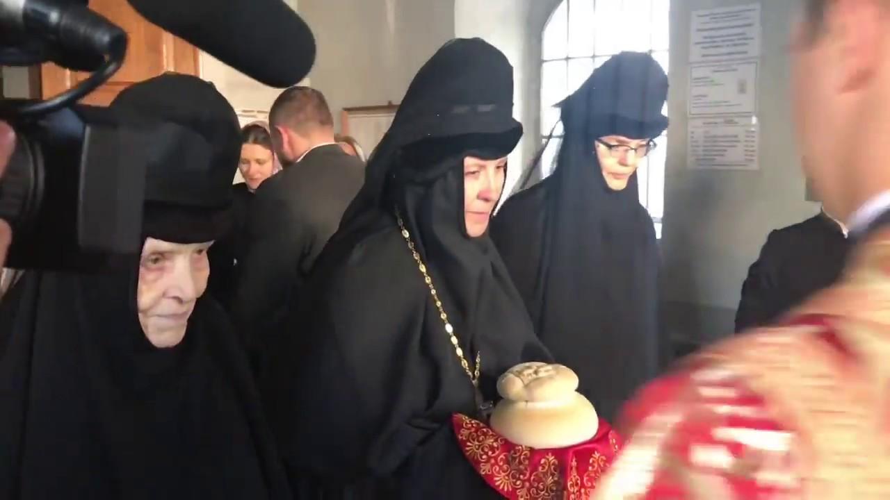 monahinya-masturbiruet-video-s-monastirya