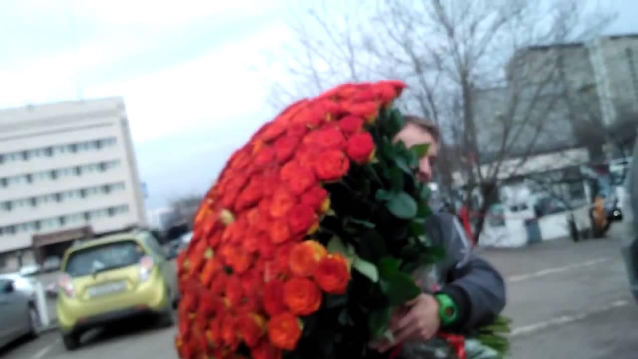 Композиции из живых цветов в корзине: обзор ФОТО! 88