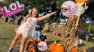 LOL SURPRISE DOLL SCAVENGER HUNT AT THE PUMPKIN PATCH!! GLAM GLITTER SERIES
