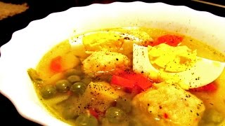 Суп с сырными клёцками на курином бульоне