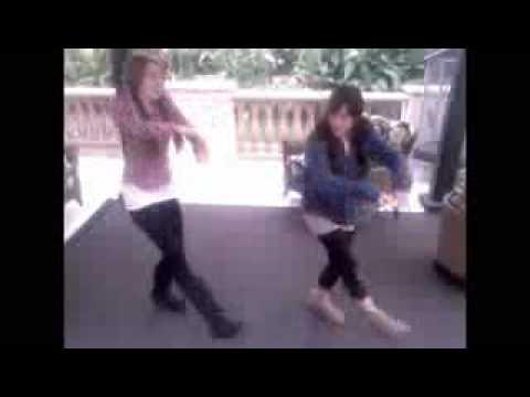 Miley Cyrus & Mandy Jiroux Doing The Hoedown Throwdown!