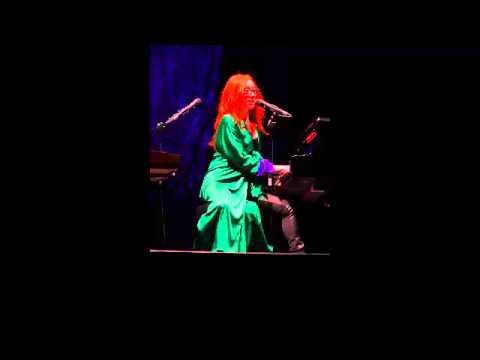 Tori Amos Mother Revolution 22 06 2014 Istanbul