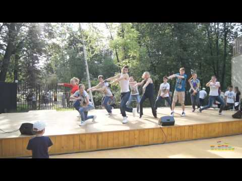 Открытие танцевальной площадки в Измайловском парке