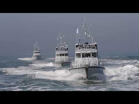 14 Royal Navy P2000s Patrol Boats Conduct SQUADEX In The Solent