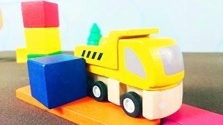 Рабочие машины строят башенку. Учим цвета с самосвалом