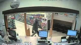 BRADENTON, Fla. (WFLA) — A man who allegedly tried to rob a Walgree...