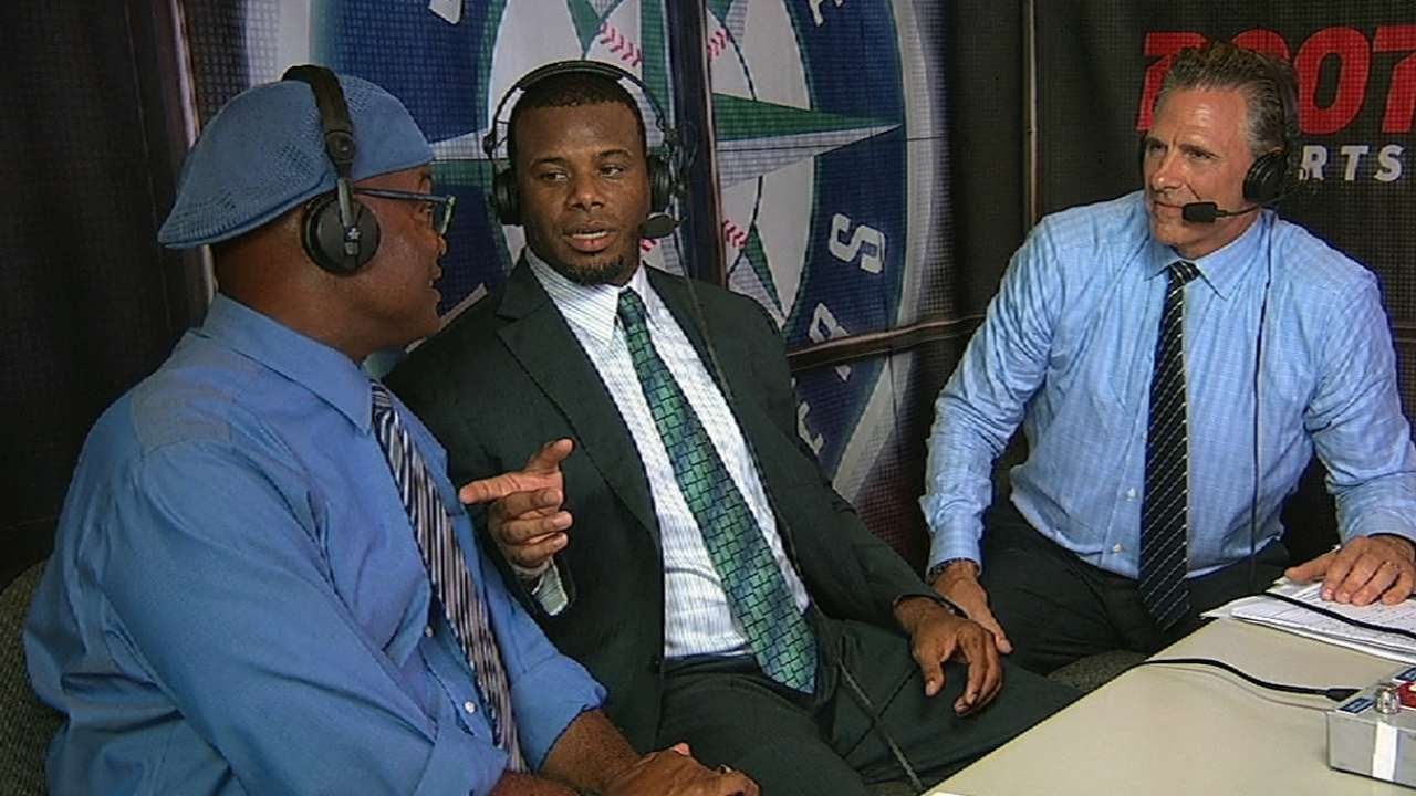 MIL@SEA: Griffey Jr. visits Mariners broadcast booth - YouTube