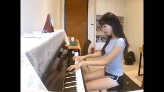 Pianis tercantik dan permainan harmonis