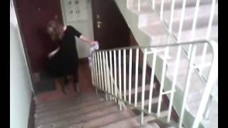 Дама и перило СМОТРЕТЬ ВСЕМ!!!(, 2013-04-05T03:40:51.000Z)