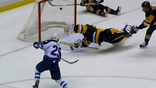 Laine finishes off pretty passing play by Jets