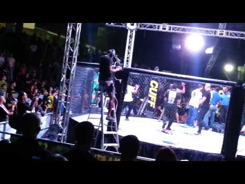 Mike Wade mma getting ko by dwayne hinds 2013