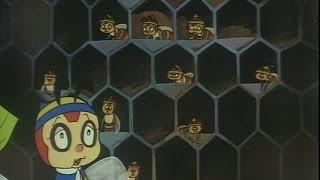 ハッチは人間を神とあがめる養種蜜蜂と友達になった。そして人間は神ではなく悪魔だったと説得する。 (C)タツノコプロ.