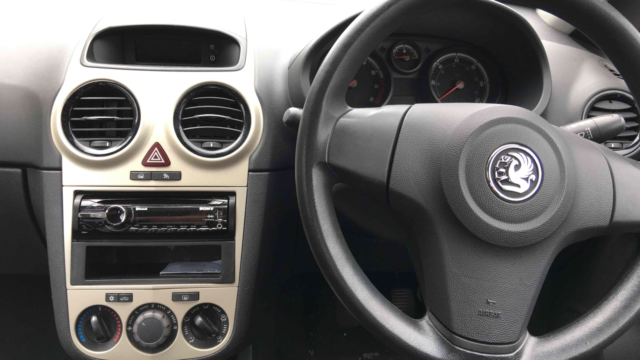 fitting car cd player on vauxhall corsa d sony [ 1280 x 720 Pixel ]