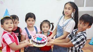 Sky Go To School | Sky Make birthday cake held in children's fun class