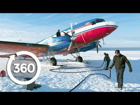 Fly an Airplane on Skis | Antarctica 360 VR Video | Discovery TRVLR