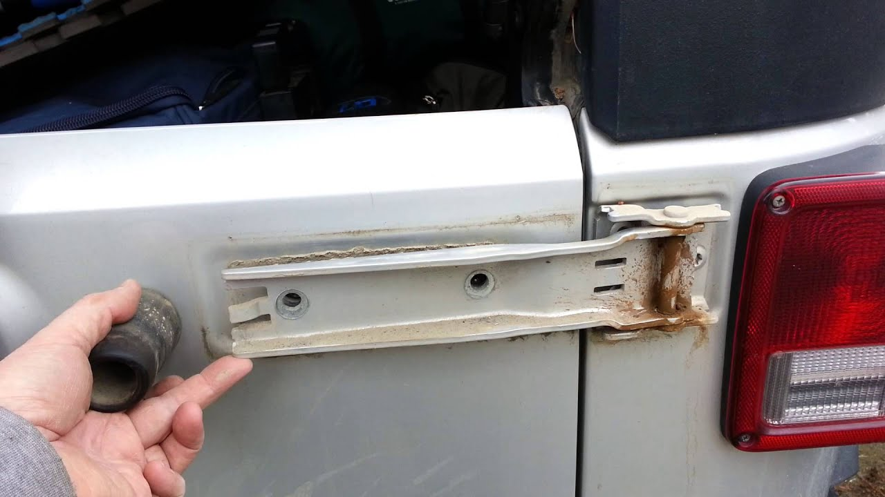 Jeep Jk Tail Gate Hinge Slop Youtube
