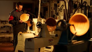 Turning A Wooden Platter With Glenn Lucas Woodturner