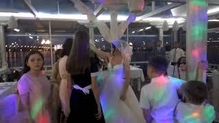 Снимают фату невесты