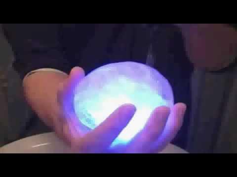 Делаем светящийся ледяной шар!