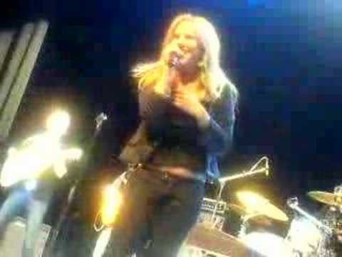 Lucie Silvas Breathe In @ The Indigo2