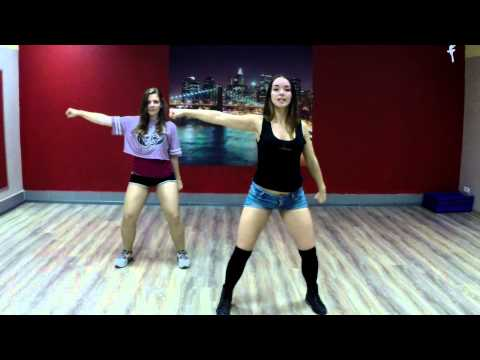 видео: Обучалка реггетон. Урок 3. Юлия Пенч Танцуйте вместе с нами! franco el gorila – love machine