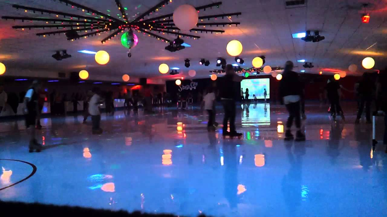 Roller skates kansas city - Roller Skating To Journey S Dont Stop Believin