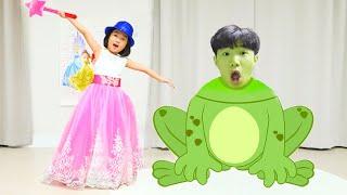 Histórias engraçadas com brinquedos | Vídeo de compilação com Boram