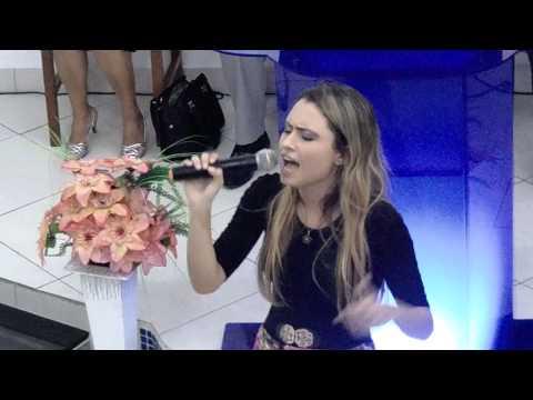 Amanda Vasconcellos e banda ao vivo- Quão grande é o meu Deus e ministração !
