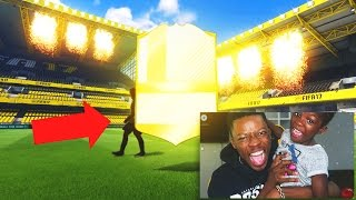 OMG WALKOUT LEGEND IN A PACK !!! LUCKIEST FIFA 17 PACK OPENING EVER !